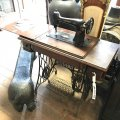 folding-singer-sewing-table