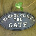 please-close-the-gate-sign