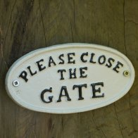 please-close-the-gate-white